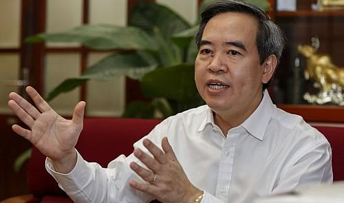 Vietnam to set negative interest for dollar deposits: cbank governor