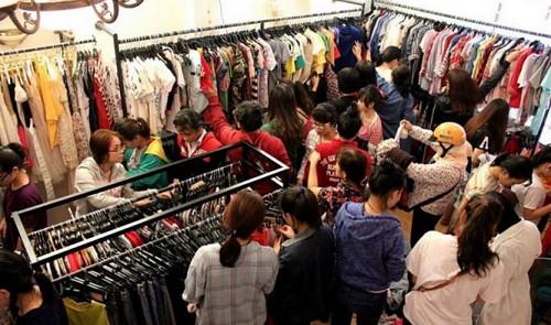 Consignment stores boom in Vietnam