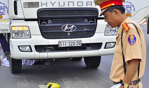 Vietnamese official encourages citizens, media to film traffic offenses committed by law enforcers