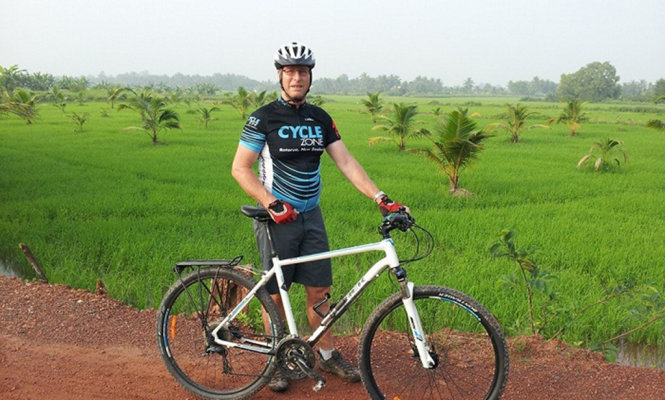 Australian expat crazy about cycling in Vietnam