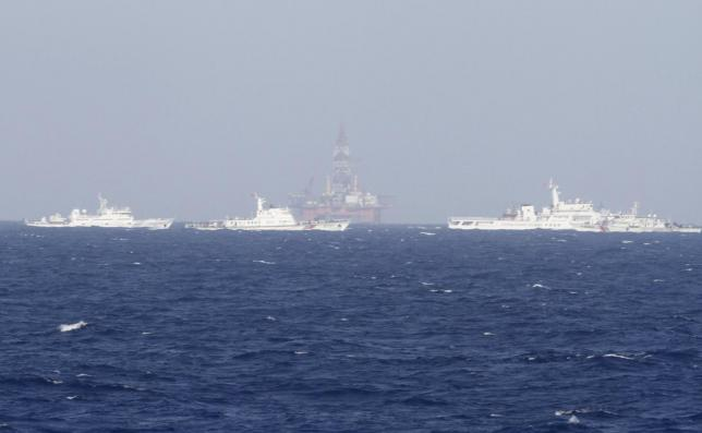 Chinese oil rig moved to overlapping sea area between Vietnam and China