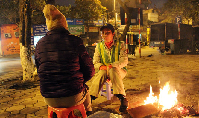 Hanoi shivering with coldest spell in nearly four decades