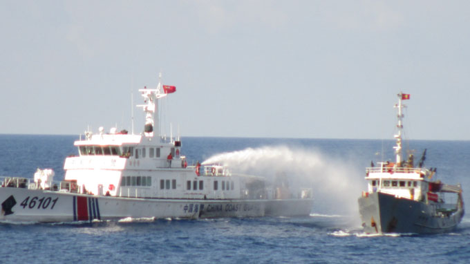 China Coast Guard loots Vietnamese fishing boat