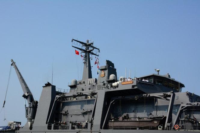 Singaporean naval ship visits Vietnam