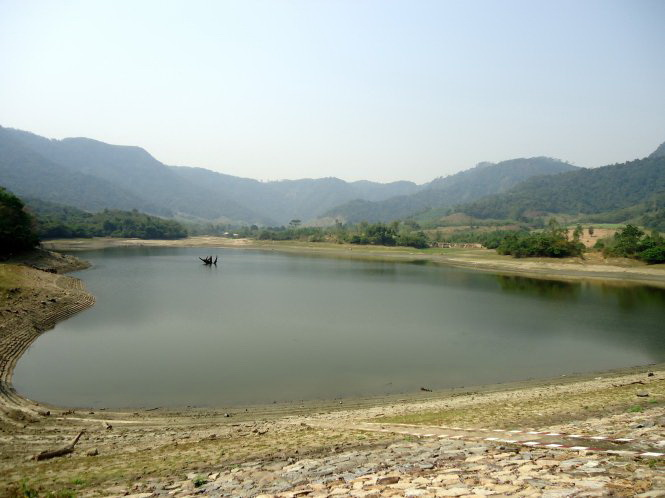 In south-central Vietnam, 21 reservoirs dries, leaving locals facing water shortage