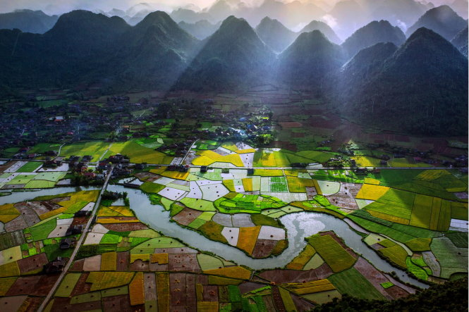 A stunning scene is captured in Bac Son District in the northern Vietnamese province of Lang Son.