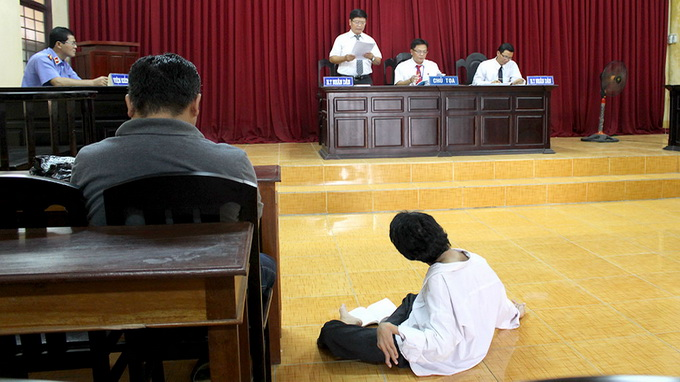 Handicapped man taken to court by siblings over inheritance dispute in southern Vietnam
