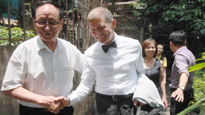 Healing handshake: Son of US ex-POW meets former warden in Vietnam