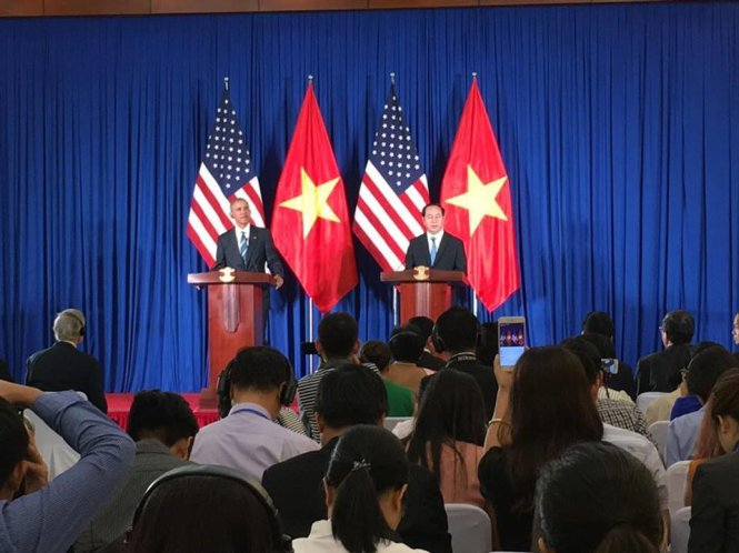 U.S. lifts arms embargo on Vietnam as regional tensions simmer