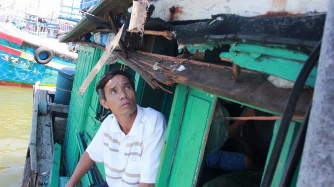 Vietnamese fishing boat hit by Chinese vessel in Vietnam's waters
