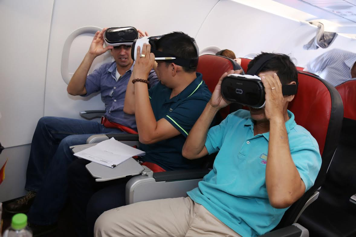 Vietjet offers 100,000 zero-fare tickets for int'l services