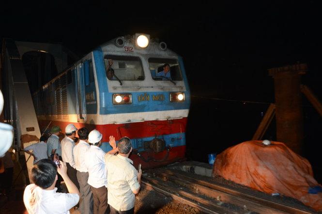 Vietnam's railway resumes normal operation as bridge rebuilt after collapse