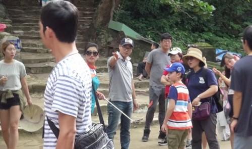 Da Nang levies fines on six Chinese working under tourist visas