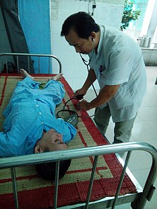 Blood donors help save lives in central Vietnam