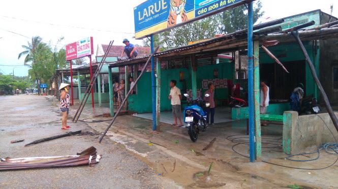 7 injured, 280 houses damaged as Storm Rai crosses central Vietnam