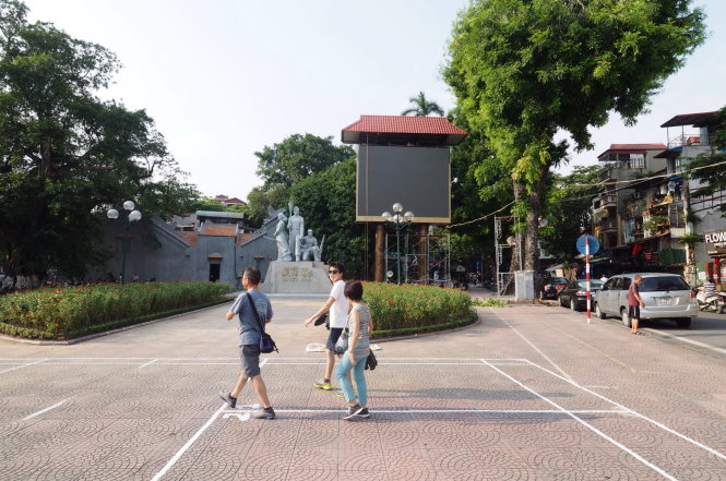 Concern over entrance to Hanoi subway project