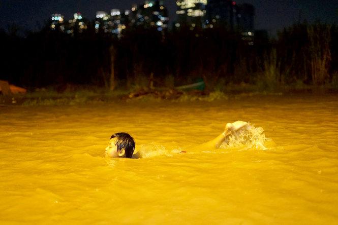 Torrential rain turns Ho Chi Minh City into 'ocean'