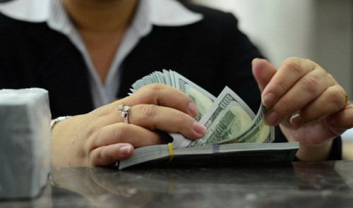 Vietnam cbank wants to forbid foreigners from opening savings accounts in local currency