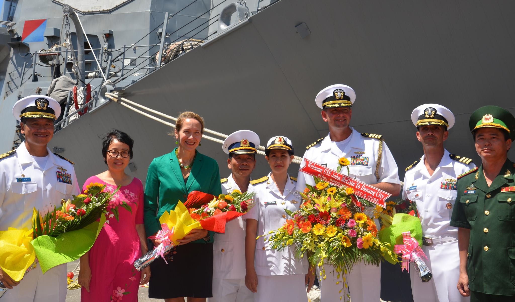US, Vietnam navies join 7th annual naval engagement in Da Nang