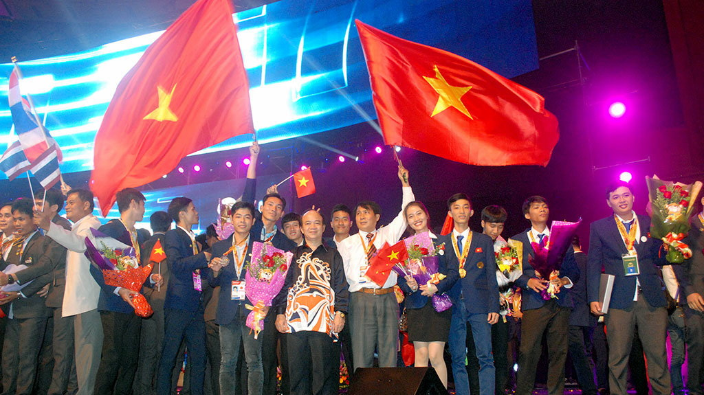 Vietnam bags ten gold medals, five silvers at ASEAN Skills Competition