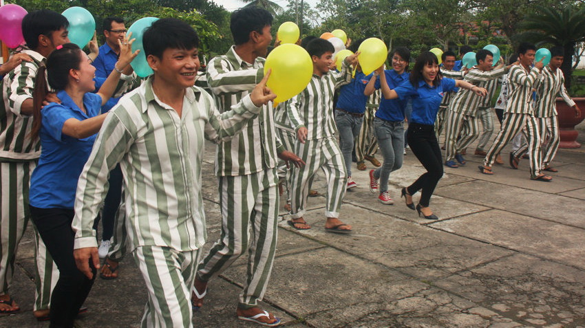 Vietnam prisons to allow inmates private time with spouse: draft circular