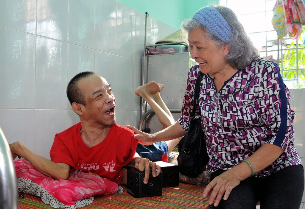 French-Vietnamese woman's quest for AO victims