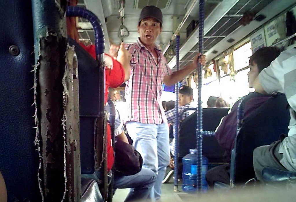 Muggers on southern Vietnam buses leave authorities powerless