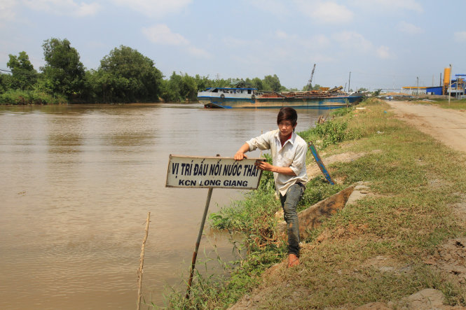Alarm over paper mill threatening rivers in Vietnam's Mekong Delta