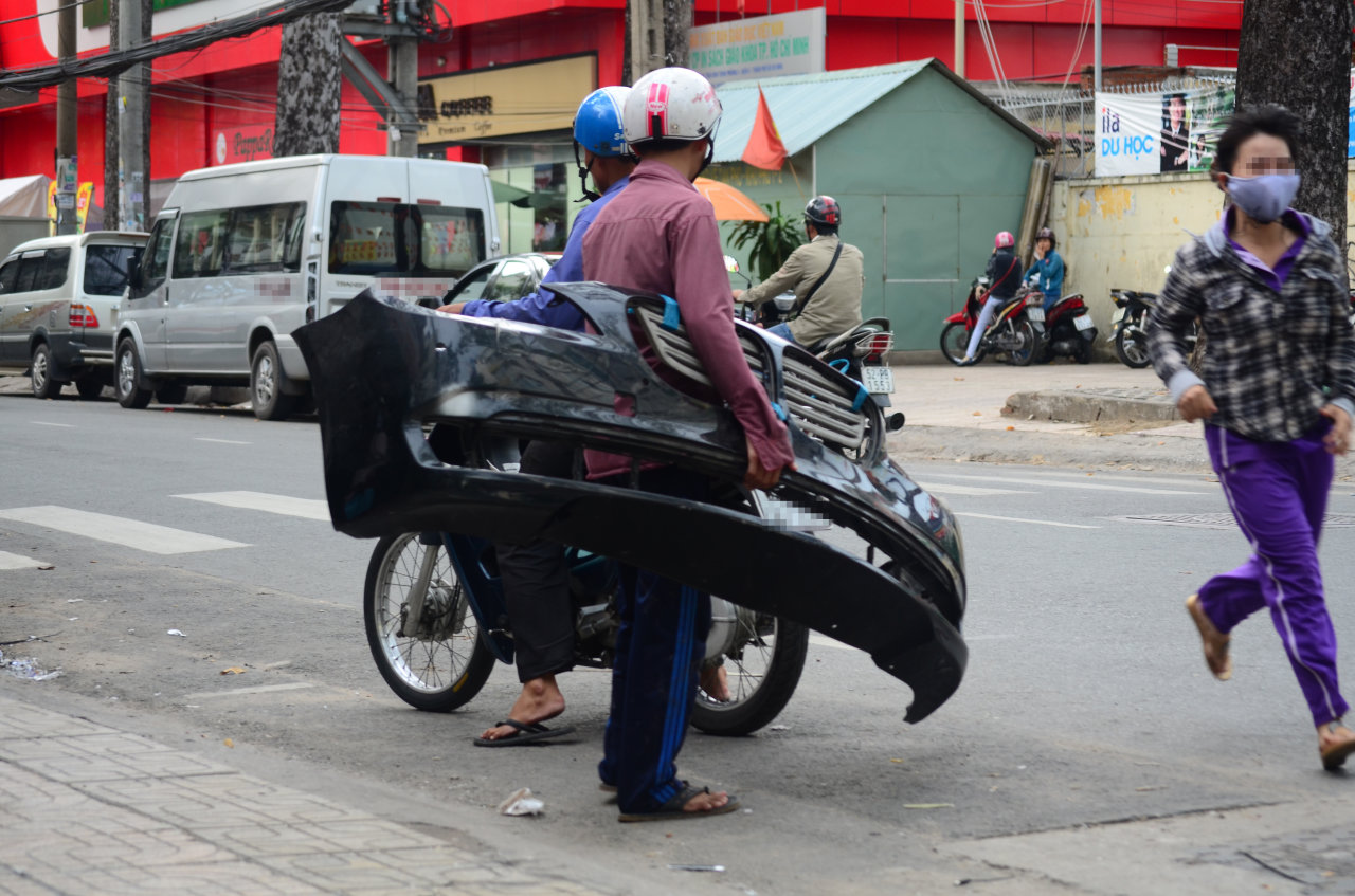 Stolen auto parts discreetly sold in Ho Chi Minh City