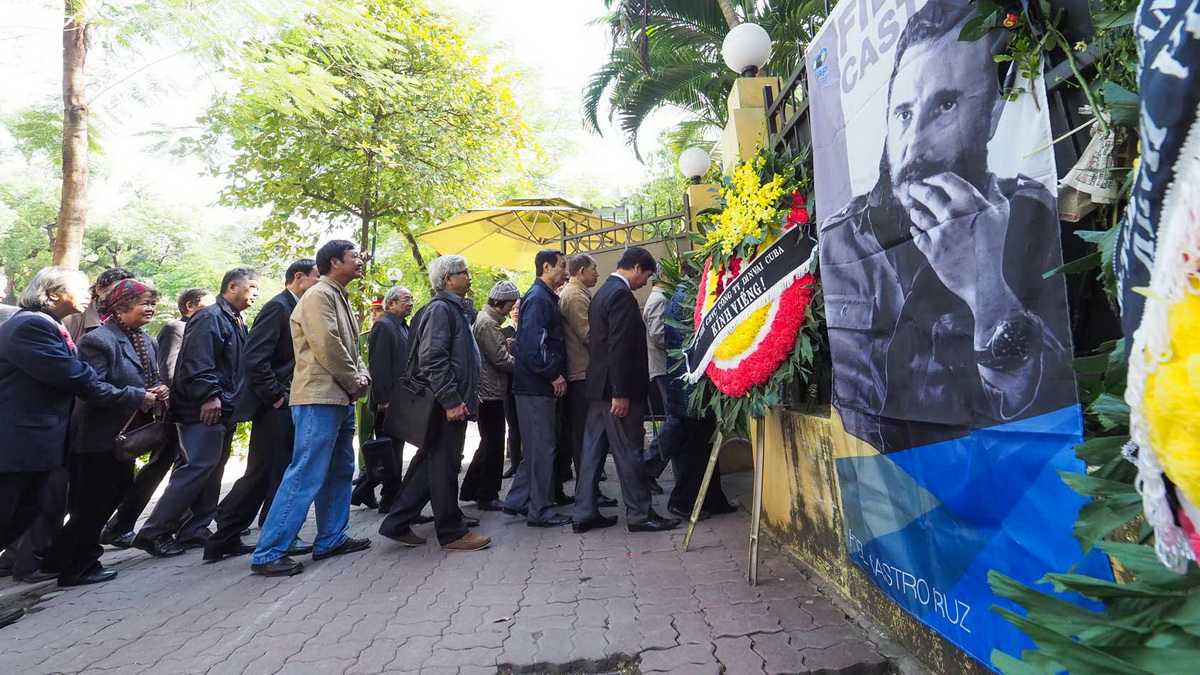 Vietnam to hold national day of mourning for Cuban figurehead Fidel Castro