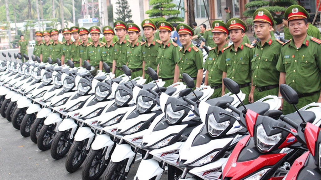 Vietnam province equips police with 100 motorbikes to aid crime fighting
