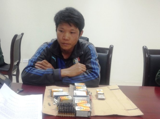 Vietnamese soldiers nab man smuggling ammunition from Laos