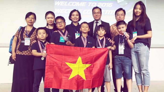 Vietnam students bag 5 medals at SE Asian coding contest