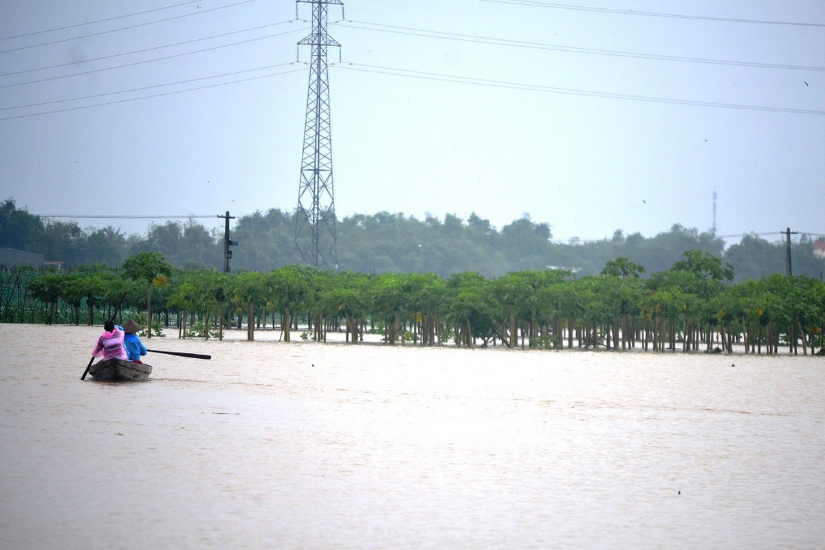 Downpour, flood to strike central Vietnam again this week