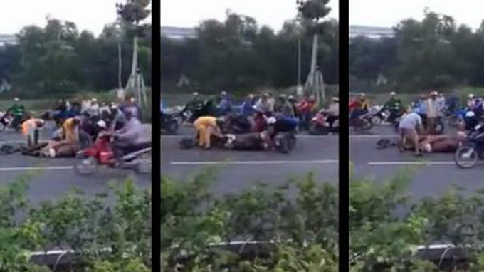 Video of Vietnamese slaughtering buffalo on highway sparks outrage