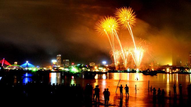 Da Nang announces 2-month int'l fireworks festival