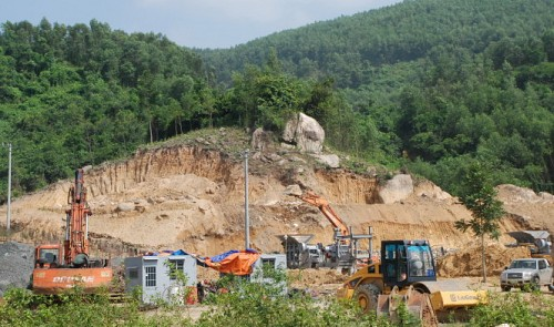 Construction, mining ravage neighborhoods in Vietnam's Da Nang