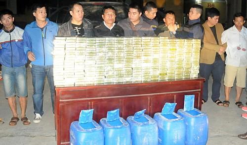 Vietnam police capture 4, confiscate huge heroin haul