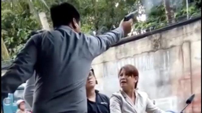 Vietnam man identified from video threatening woman with tear gas gun