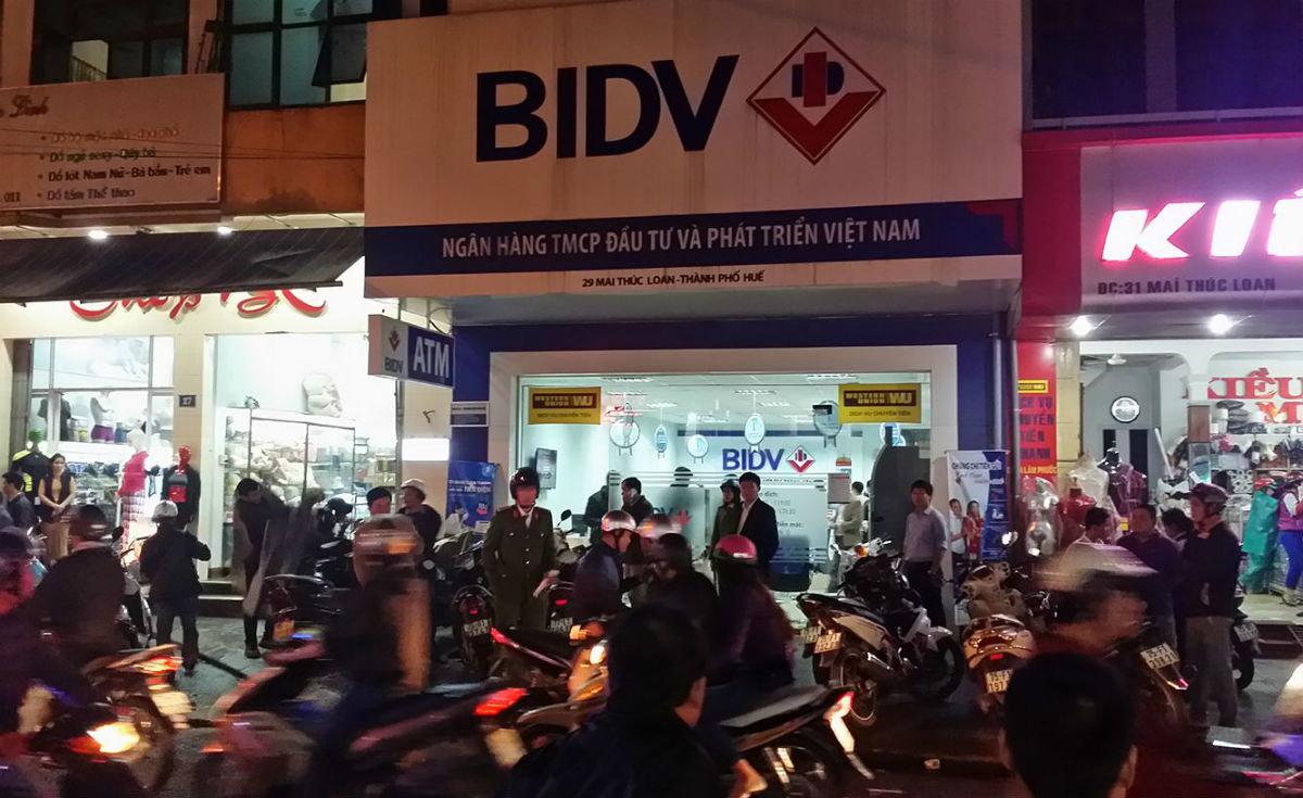 Man robs bank with BB gun in central Vietnam