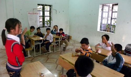 Meet the disabled teacher of mentally challenged children in Hanoi
