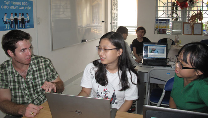 Vietnam-Canada duo help learners review schools with education startup