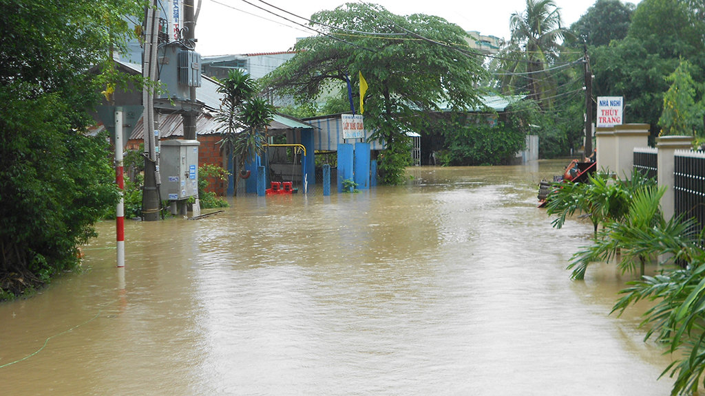 111 people killed, missing due to floods in central Vietnam since October