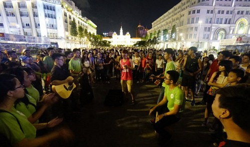 Pedestrian streets should be lined with art, cultural performances: Singaporean expat