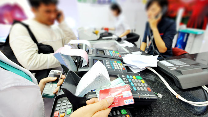 Vietnam eyes cashless market with card payment scheme