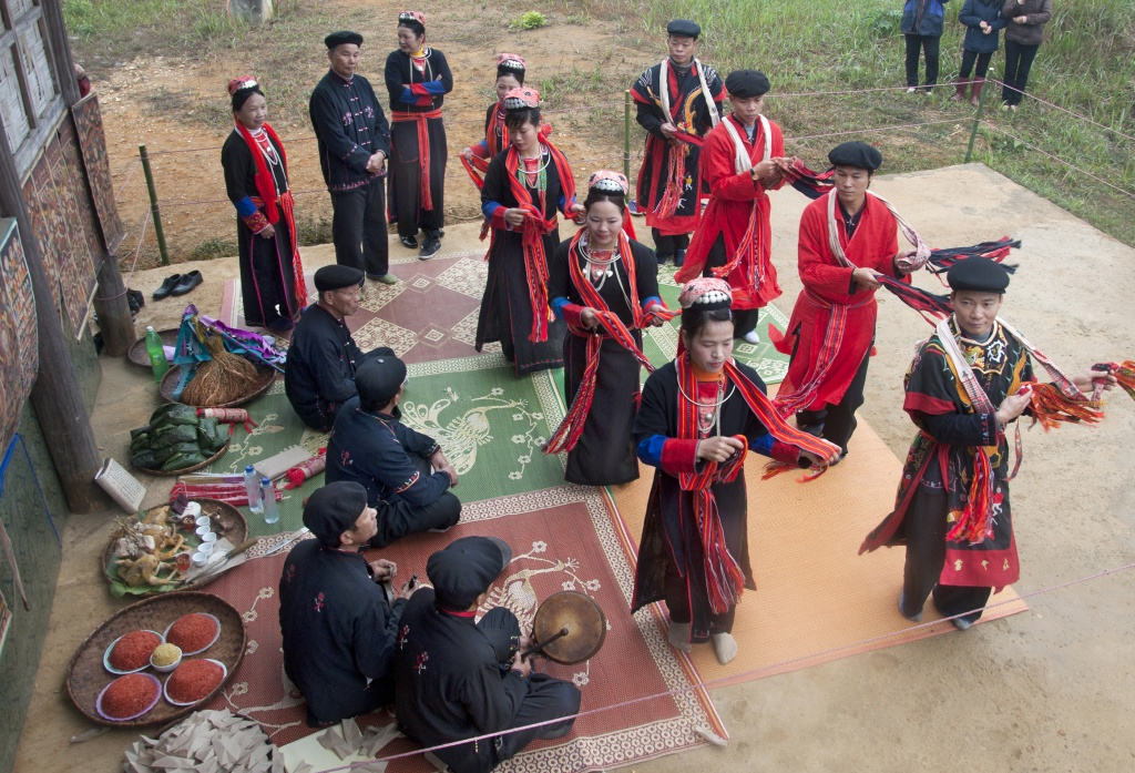 How ethnic people in northern Vietnam pray for bumper crops