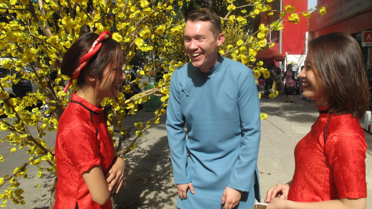 Vietnamese Tet in the eyes of young foreigners