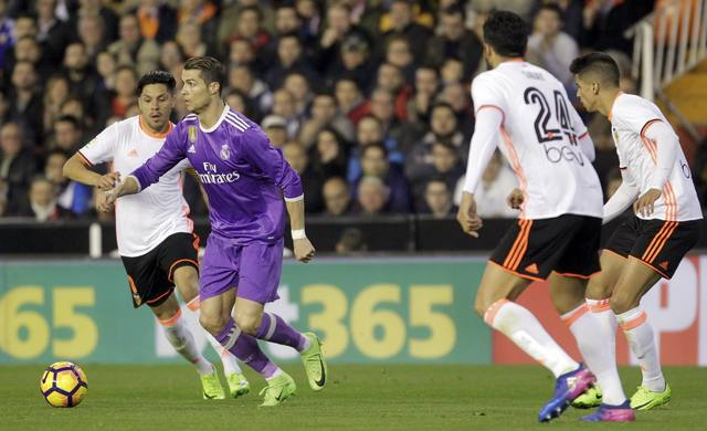 Real survive Villarreal scare as Zidane's attacking ploy pays off