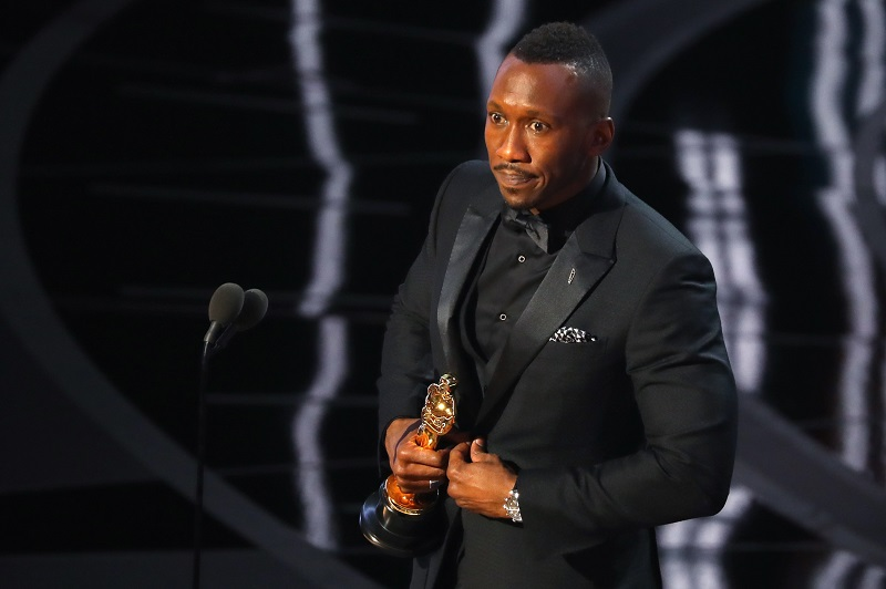 'Moonlight' nabs first Oscar, Trump and Streep center stage