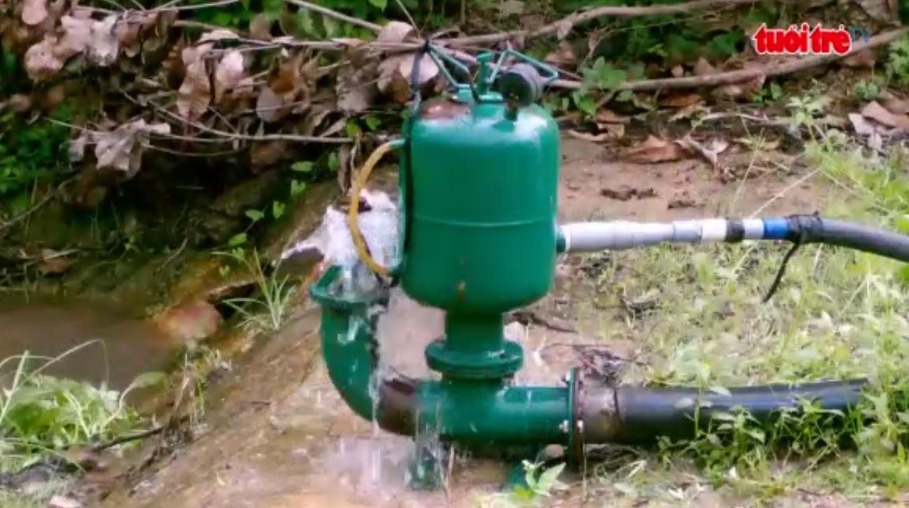 Vietnamese engineer invents electricity-, fuel-free water pump